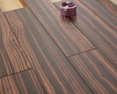 实木地板怎么会有色差呢