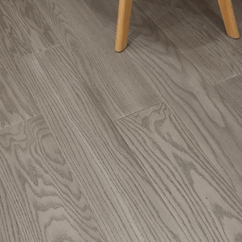 实木复合地板的性能优势有哪些?