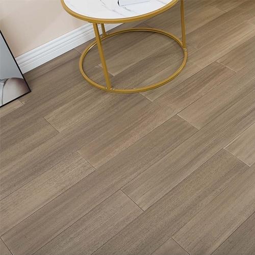 实木地板比地砖好的原因